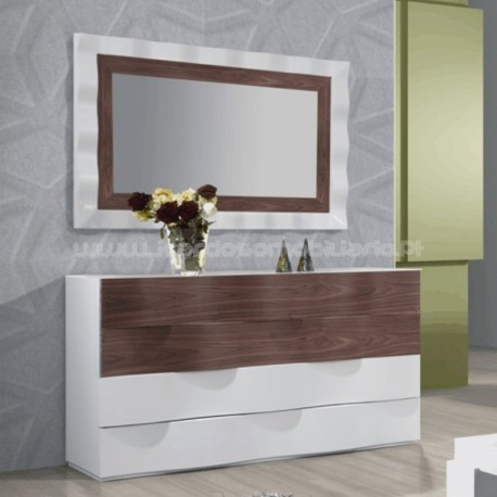Commode Queen I