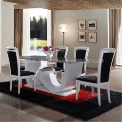 Dining table Dubai