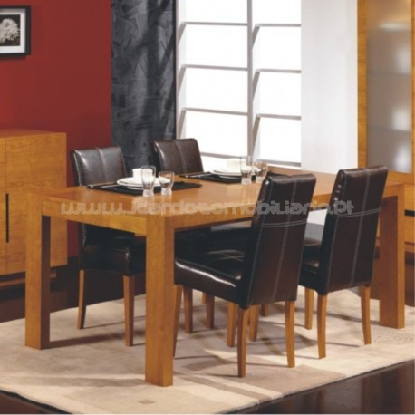 Primavera dining table