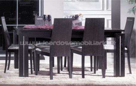 Dining table Vogue