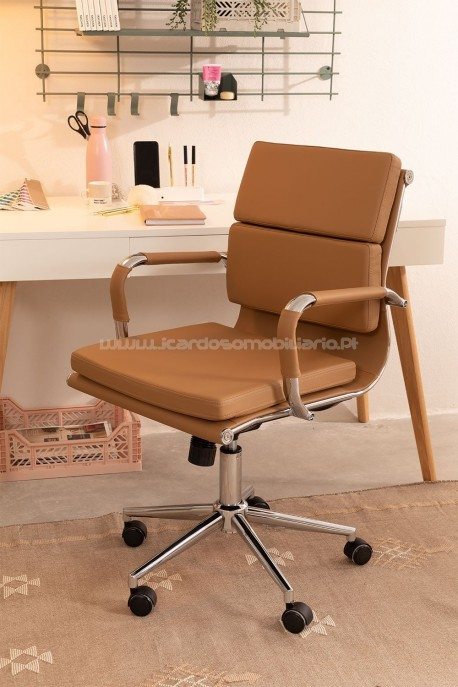 36/5000 Office Chair with Wheels Fhöt