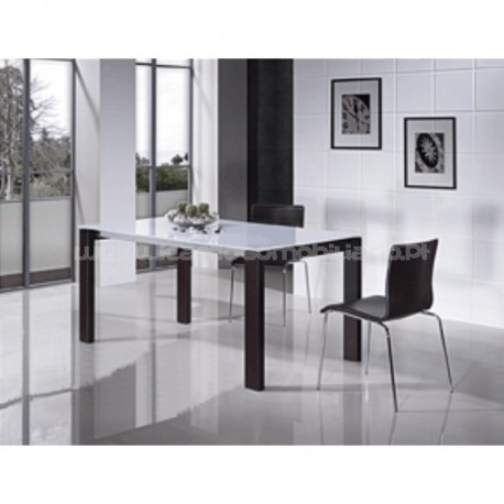 Extendable table M-829